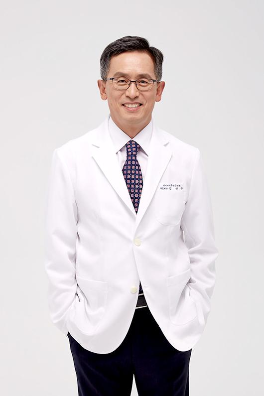 김창수 원장 사진입니다.